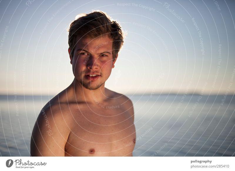 straight Sommer Sommerurlaub Sonne Sonnenbad Meer Mensch maskulin Junger Mann Jugendliche Erwachsene Leben 1 18-30 Jahre Wasser Wolkenloser Himmel Horizont