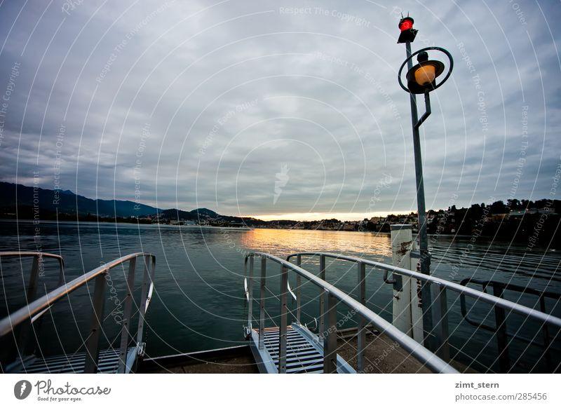 Die Fähre kommt nicht mehr Ferien & Urlaub & Reisen Ausflug Wolken Nachthimmel Horizont Sonnenaufgang Sonnenuntergang Seeufer Luzern Schweiz Vierwaldstätter See