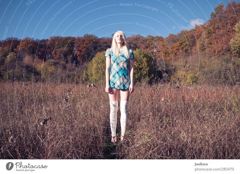 #245640 Mensch Frau Natur Jugendliche schön Sommer Einsamkeit Landschaft Erholung Erwachsene Ferne Wiese Freiheit Mode 18-30 Jahre außergewöhnlich