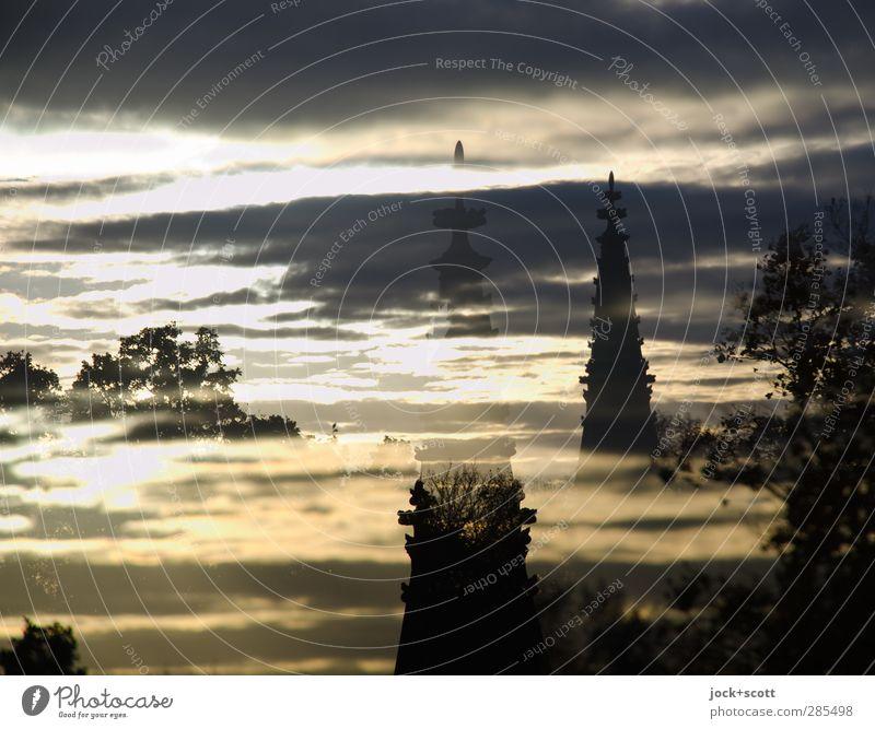 Nationaldenkmal für die Befreiungskriege im Zwielicht Skulptur Himmel Wolken Baum Säule Sehenswürdigkeit Wahrzeichen Denkmal historisch Doppelbelichtung