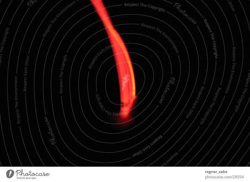 2red rot Langzeitbelichtung schwarz dunkel Chemie lichtstreif