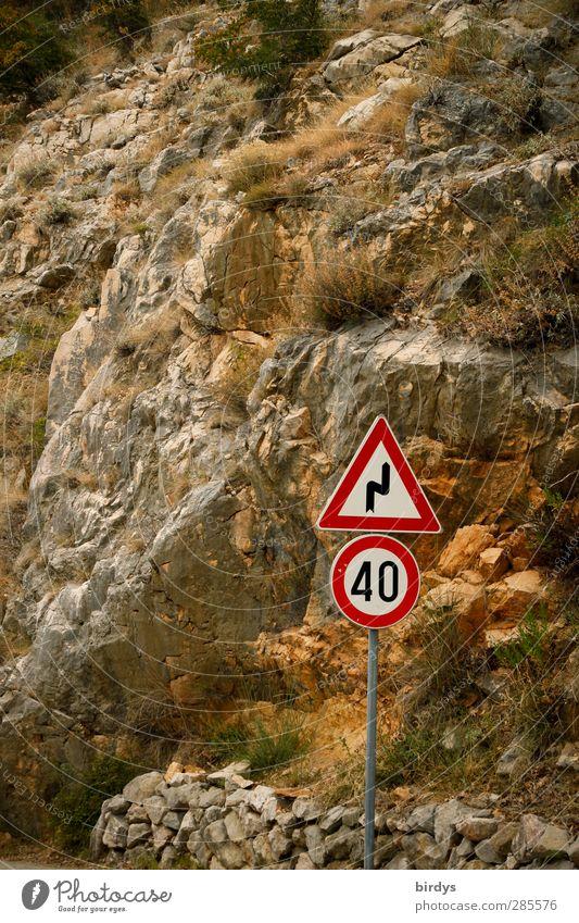Tempolimit Schönes Wetter Felsen Berge u. Gebirge Verkehr Straßenverkehr Verkehrszeichen Verkehrsschild Pass Zeichen Schilder & Markierungen Hinweisschild