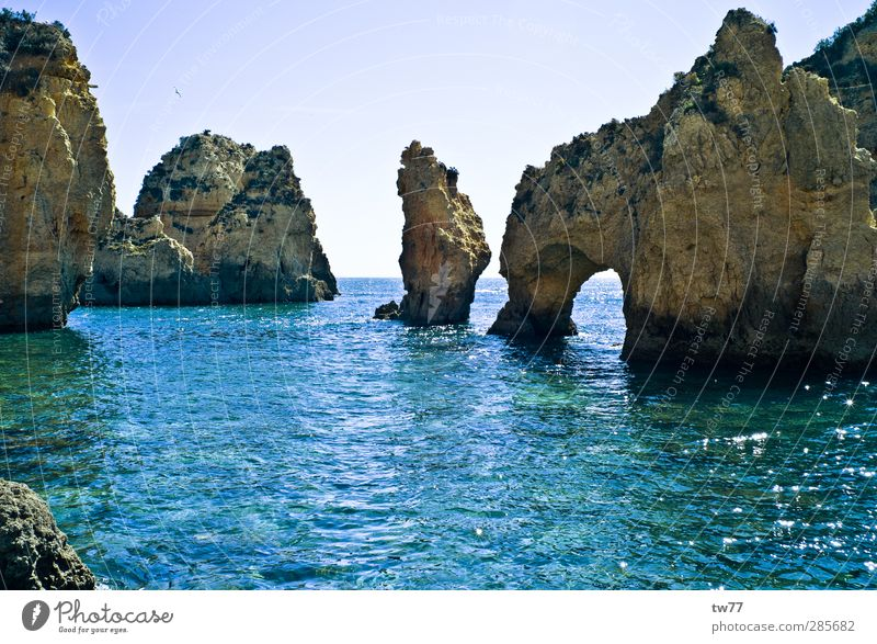 Küste an der Algarve, Portugal Natur Ferien & Urlaub & Reisen Wasser Erholung Meer Landschaft ruhig Ferne Strand Sport Schwimmen & Baden Felsen Tourismus Insel