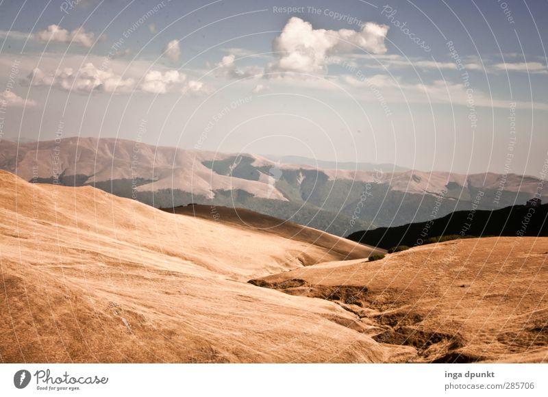 Weit weg Natur Sommer Pflanze Landschaft Ferne Umwelt Berge u. Gebirge Felsen Erde Klima Schönes Wetter Urelemente Hügel Unendlichkeit karg weitläufig