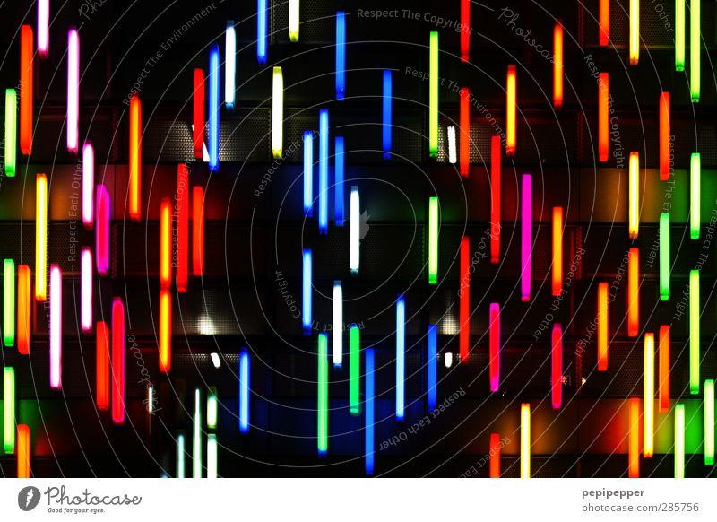 neon-regen Design Haus Nachtleben Kunst Künstler Kunstwerk Fassade Schilder & Markierungen Graffiti Linie Streifen leuchten dunkel Farbe Neonlicht Lampe