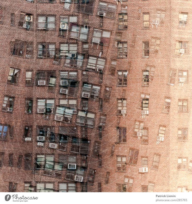 Touch too much Stadt Haus Fenster dunkel Wand Mauer Gebäude außergewöhnlich Angst Fassade wild Hochhaus Kommunizieren kaputt bedrohlich Kontakt