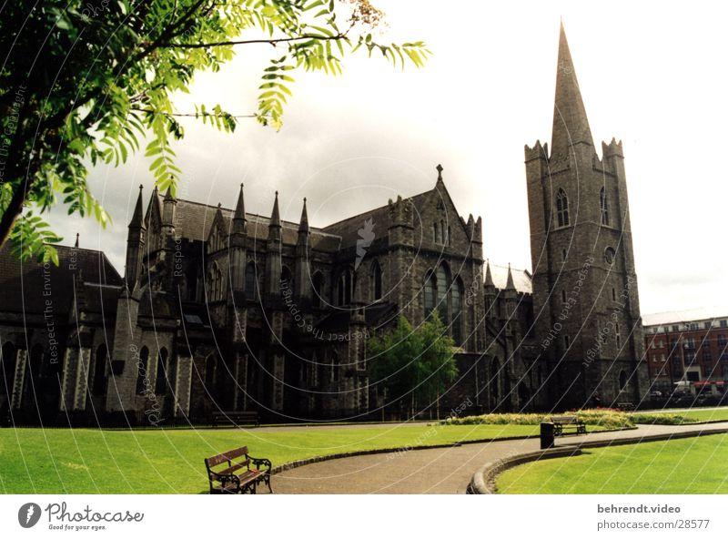 Kirche in Dublin Gotik grün Gotteshäuser Republik Irland Religion & Glaube alt Natur Architektur