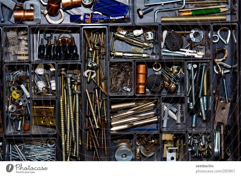 Reparatur Metall Arbeit & Erwerbstätigkeit Ordnung Metallwaren Baustelle Industrie Teile u. Stücke Dienstleistungsgewerbe Kasten Handwerk Handel Wirtschaft