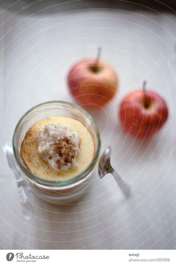 winterlich Milcherzeugnisse Frucht Apfel Süßwaren Ernährung Glas Löffel lecker süß Milchreis Farbfoto Innenaufnahme Menschenleer Textfreiraum oben