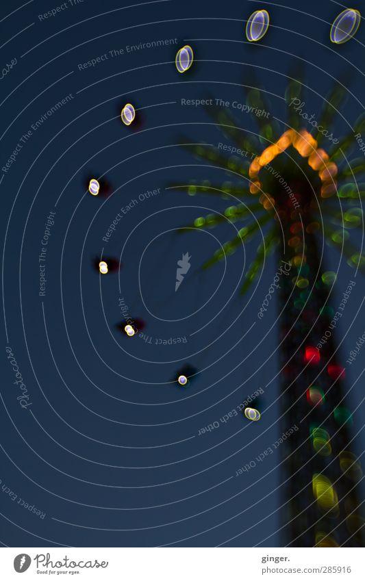 Köln UT 10/12 | Delirium Veranstaltung Show glänzend hängen schaukeln leuchten blau Lichtpunkt Karussell Kettenkarussell hoch wirbeln Zentrifugalkraft Säule