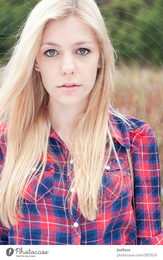 #245405 Junge Frau Jugendliche Erwachsene Leben Haare & Frisuren Gesicht 1 Mensch Hemd blond beobachten Denken Erholung träumen Traurigkeit authentisch