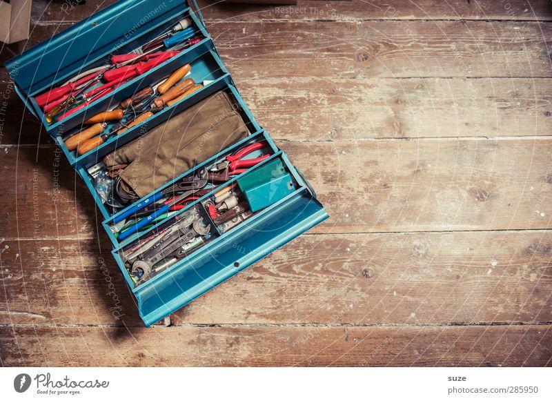 Heimwerkerkingcase Freizeit & Hobby heimwerken Arbeit & Erwerbstätigkeit Handwerker Arbeitsplatz Werkzeug Sammlung Holz Metall alt blau braun Werkzeugkasten