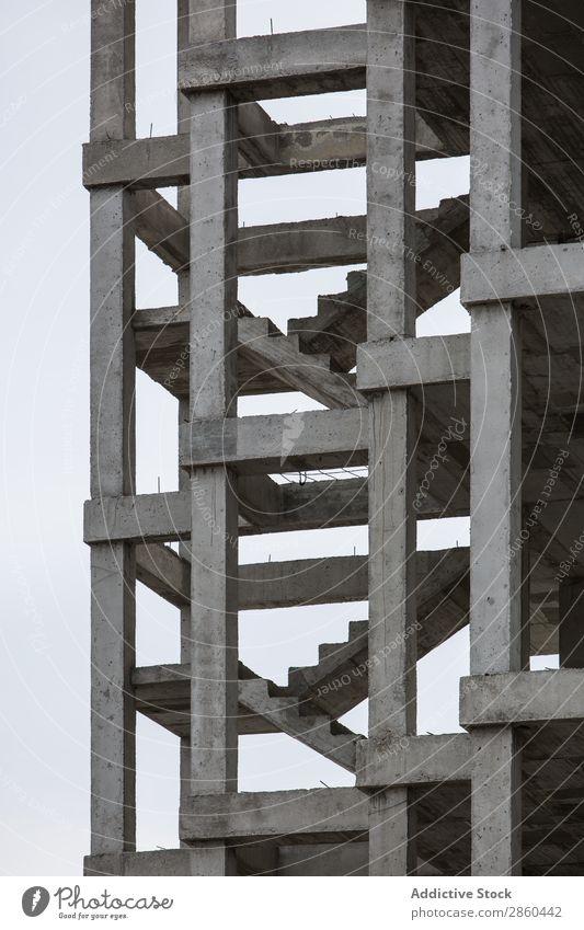 Unfertiges Gebäude abstrakt Architektur erbaut Großstadt Beton Konstruktion Kontrast