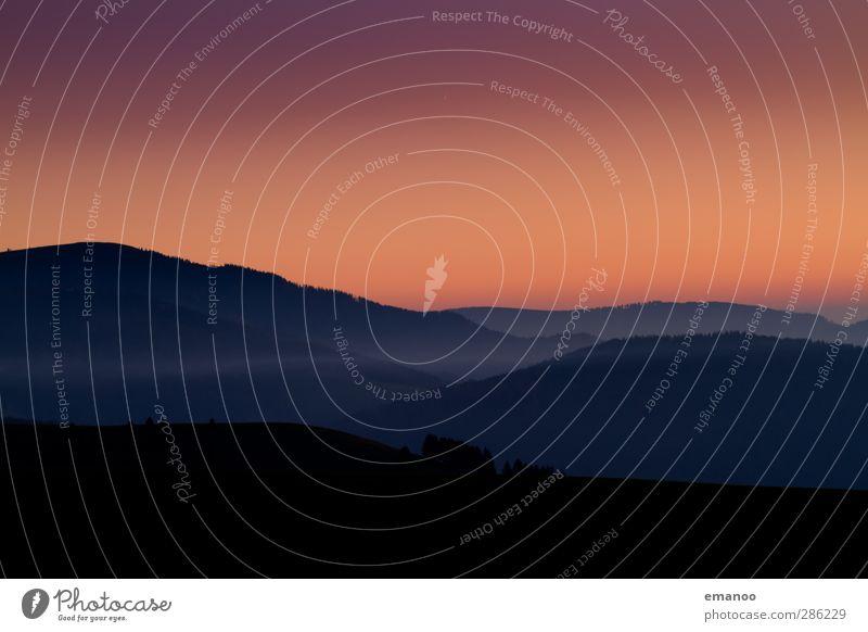 rote Stunde Himmel Natur Ferien & Urlaub & Reisen Landschaft schwarz Umwelt dunkel Berge u. Gebirge Herbst Linie Wetter orange Klima Nebel wandern