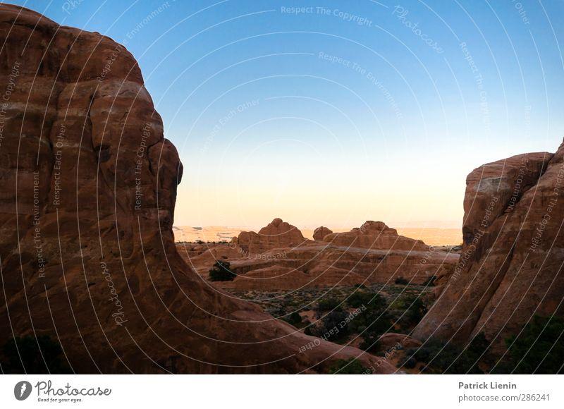 Fremde Welten Himmel Natur Ferien & Urlaub & Reisen Sommer Landschaft Ferne Berge u. Gebirge Umwelt Freiheit Felsen Sand Wetter Luft Ausflug Klima