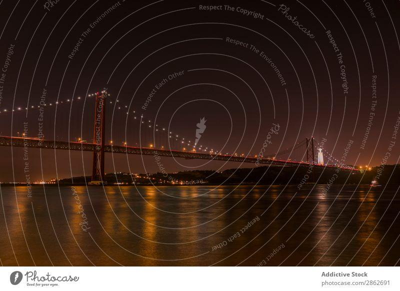 Fluss und große beleuchtete Brücke Golden Gate Bridge Nacht Architektur Meer Bucht Wahrzeichen Großstadt Ferien & Urlaub & Reisen USA San Francisco Kalifornien