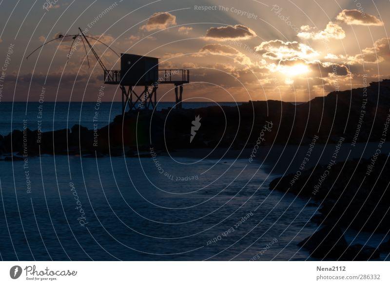 Pêcherie bretonne Natur Landschaft Luft Wasser Küste Strand Bucht Meer gelb Romantik Holzhütte Fischerhütte Wolkenhimmel Bretagne Frankreich Farbfoto