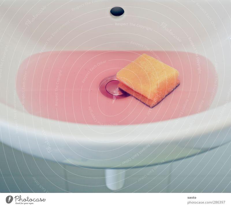 Ein Zwischenfall Bad Reinigen Reinlichkeit Sauberkeit Pause rein Reinlichkeitszwang Waschbecken Schwamm Reinigungsmittel Stöpsel pink Klarheit Alltagsfotografie