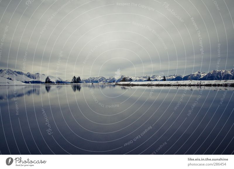 frostig Himmel Natur weiß Baum Einsamkeit ruhig Winter Landschaft Ferne Umwelt Berge u. Gebirge kalt Schnee See Horizont Eis