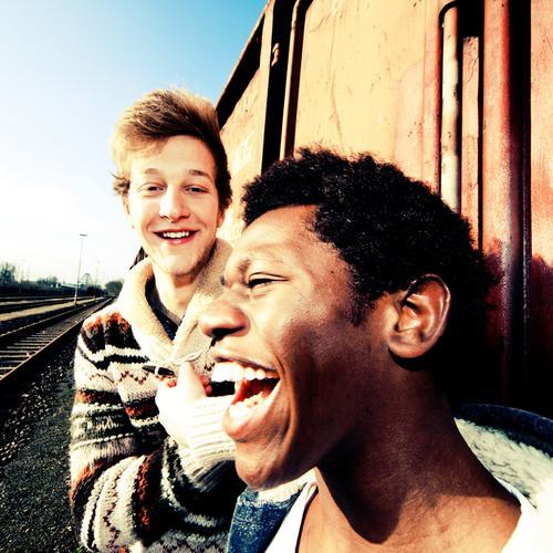 friendship Mensch Kind Jugendliche Freude Erwachsene Gesicht Leben Gefühle Junger Mann Haare & Frisuren Glück Kopf Stil 18-30 Jahre Mode Stimmung