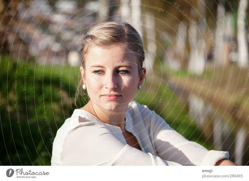birch Mensch Jugendliche schön Erwachsene Junge Frau feminin 18-30 Jahre blond