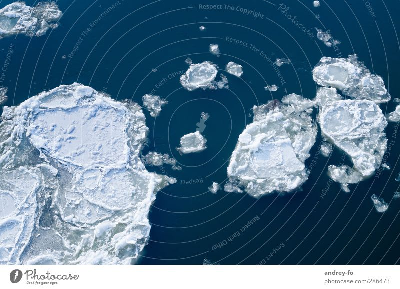 Eiskalt #1 Natur blau Wasser weiß Winter Umwelt Schnee Frühling Angst gefährlich bedrohlich Frost Fluss gefroren