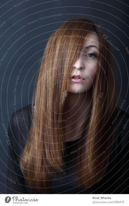 Long hair and more schön Haare & Frisuren Gesicht Mensch feminin Junge Frau Jugendliche Erwachsene Kopf Auge Mund 1 18-30 Jahre brünett langhaarig Blick Erotik