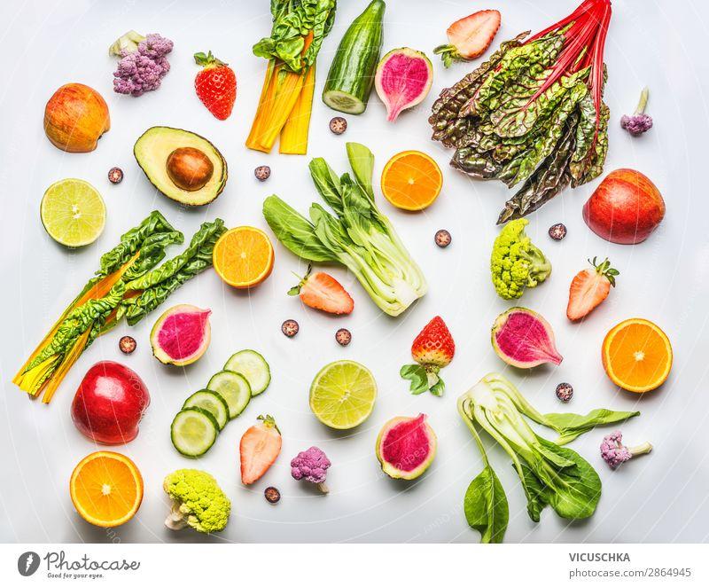 Verschiedene Obst, Beeren und Gemüse Gesunde Ernährung Sommer Foodfotografie Lebensmittel Essen Hintergrundbild Stil Frucht Design Orange kaufen Bioprodukte