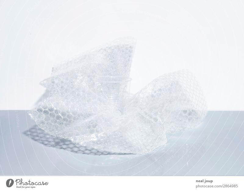 Handle with care Glas Plastikbecher Stil Häusliches Leben Umzug (Wohnungswechsel) Küche Verpackung Kunststoffverpackung nachhaltig trashig grau weiß