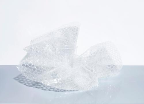 Handle with care weiß Stil grau Häusliches Leben Angst Glas ästhetisch Küche Kunststoff Umzug (Wohnungswechsel) trashig nachhaltig Handel Verpackung bizarr