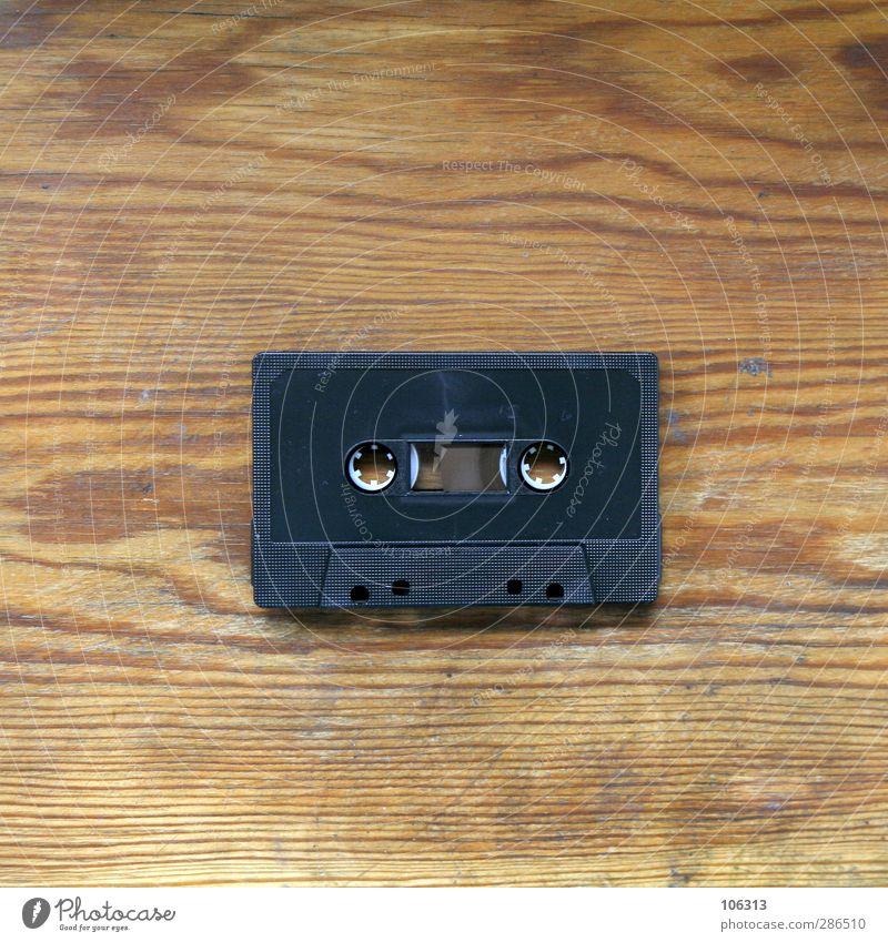 Black Star Radiogerät Glück analog Musikkassette Medien passieren retro altehrwürdig Tonband Farbfoto Innenaufnahme Menschenleer