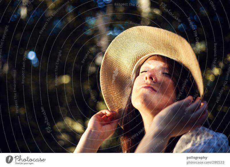 enjoy (7) Mensch feminin Junge Frau Jugendliche Erwachsene Leben Kopf 1 18-30 Jahre Umwelt Natur Pflanze Sommer Schönes Wetter Baum Wald Hut Haare & Frisuren