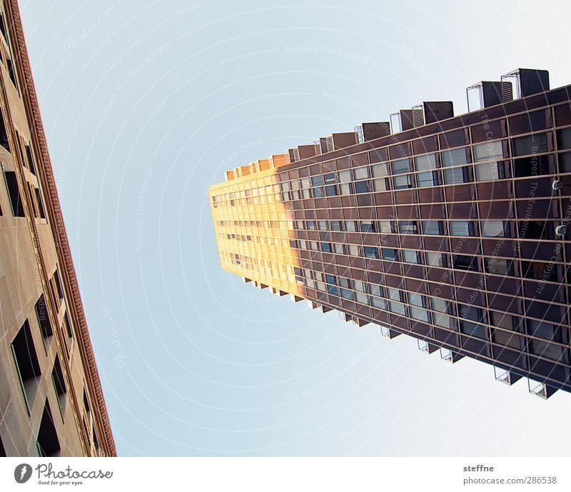 K Himmel Wolkenloser Himmel Sonne Schönes Wetter St. Louis USA Stadt Haus Hochhaus Fassade Farbfoto
