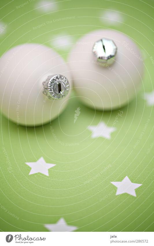 alle jahre... Weihnachten & Advent grün weiß Feste & Feiern Dekoration & Verzierung ästhetisch Stern (Symbol) Kitsch Christbaumkugel Krimskrams