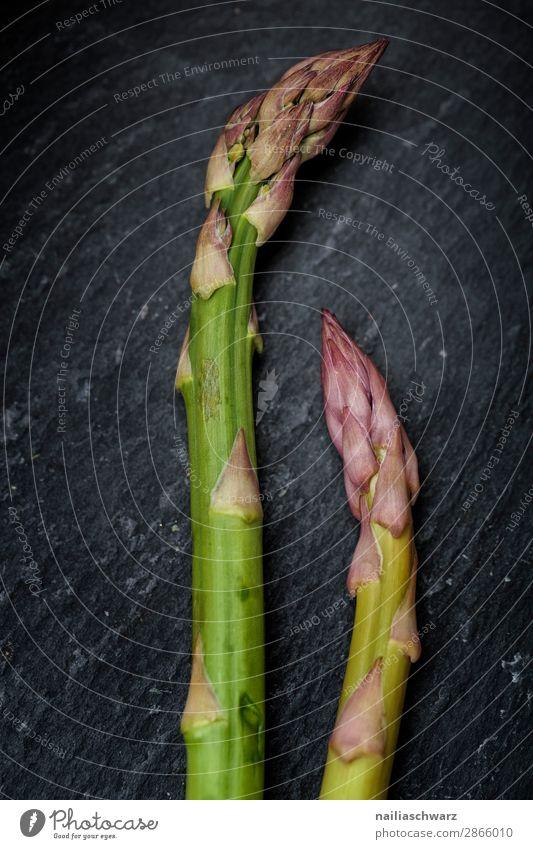 Frischer grüner Spargel Grünspargel Gemüse frisch roh Küche vorbereitend Essen zubereiten Vorbereitung nass Schalen & Schüsseln Schiefer Teller