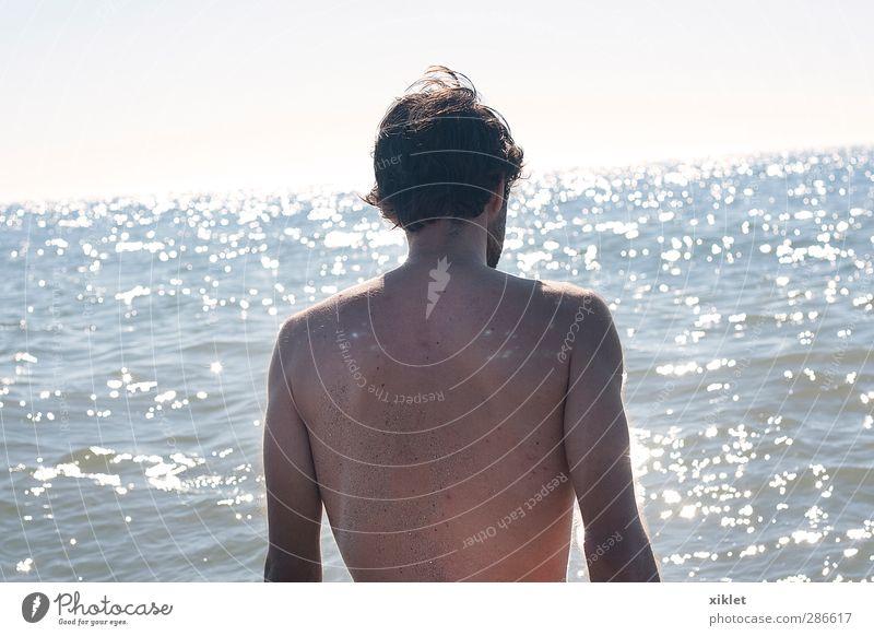Mensch Jugendliche Wasser Sonne Meer Strand Erholung nackt Leben Erotik Spielen Junger Mann Bewegung Schwimmen & Baden natürlich Wellen