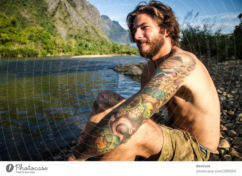 6 uhr morgens in Laos Mensch Natur Mann Jugendliche Ferien & Urlaub & Reisen Wasser Sommer Sonne nackt Junger Mann See Denken sitzen maskulin nachdenklich Fluss