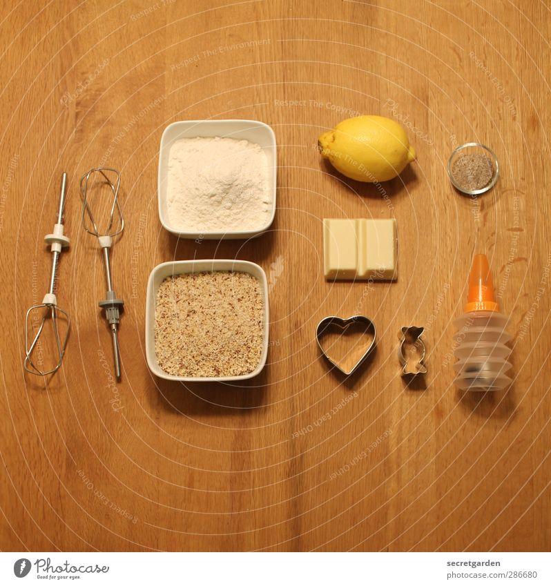 Ordnung ist das halbe Leben. Weihnachten & Advent weiß gelb braun Raum Wohnung Freizeit & Hobby Herz Häusliches Leben Ernährung Tisch Kochen & Garen & Backen