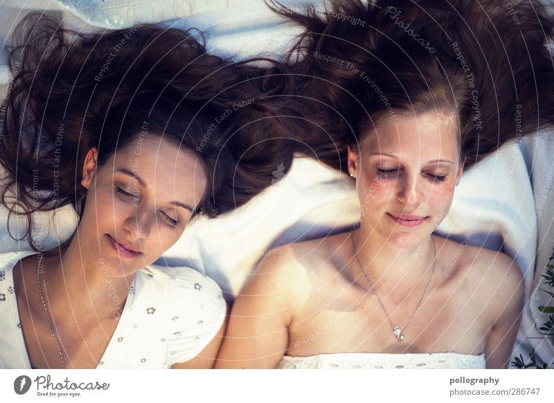 BF (4) Mensch Frau Jugendliche schön weiß Erholung Erwachsene Junge Frau Leben feminin Gefühle Haare & Frisuren 18-30 Jahre träumen Freundschaft Zusammensein