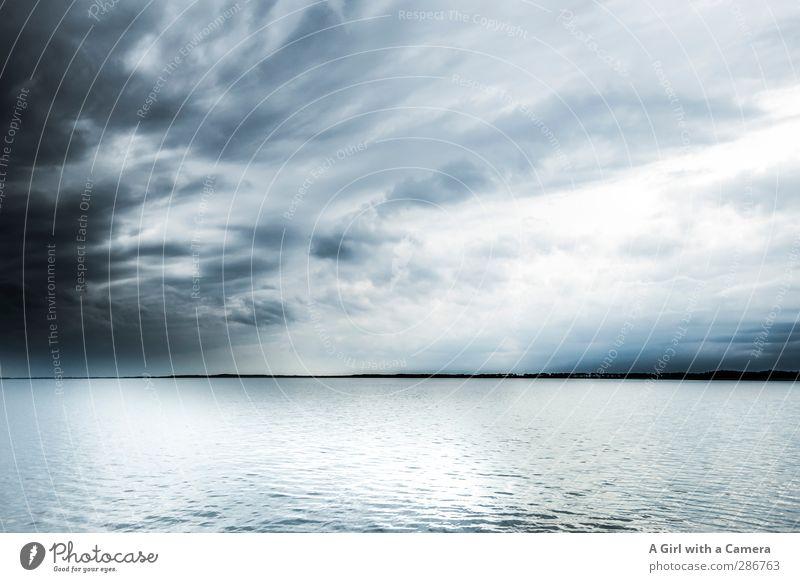 Hiddensee - die Überfahrt Umwelt Natur Landschaft Urelemente Wasser Himmel Wolken Gewitterwolken Frühling schlechtes Wetter dunkel natürlich wild blau Ferne