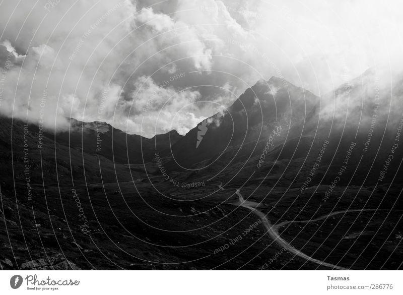 21. Dezember Natur Landschaft Himmel Wolken Hügel Felsen Alpen Berge u. Gebirge Gefühle Wahrheit Überraschung träumen Fernweh Angst Entsetzen Todesangst