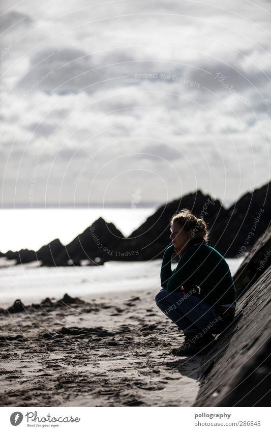 Einsamkeit Mensch feminin Junge Frau Jugendliche Erwachsene Leben 1 18-30 Jahre Natur Landschaft Erde Sand Himmel Wolken Horizont Wetter Schönes Wetter