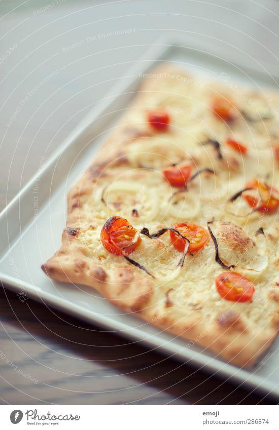 karger Flammkuchen Teigwaren Backwaren Pizza Spezialitäten Ernährung Mittagessen Vegetarische Ernährung Slowfood Fingerfood Teller Duft lecker Farbfoto