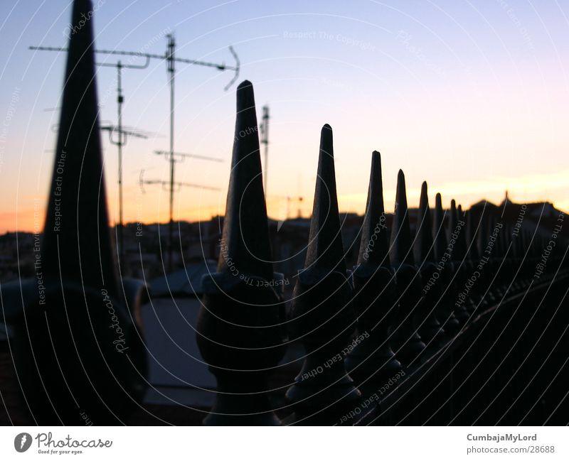Zaunspitzen Metall Dach Spitze Dinge Zaun Antenne Makroaufnahme