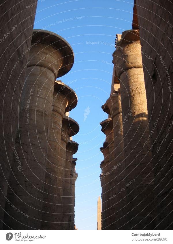 Säulen ohne Dach historisch Ägypten Tempel Hieroglyphen