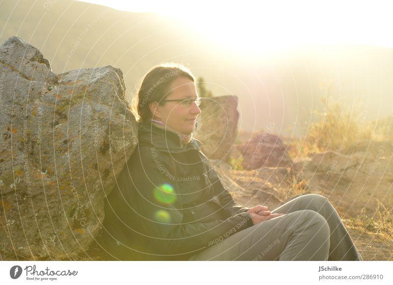 thinking Lifestyle Glück harmonisch Wohlgefühl Zufriedenheit Erholung ruhig Meditation Ferne Freiheit feminin Junge Frau Jugendliche 1 Mensch 18-30 Jahre