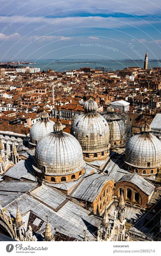 Panoramablick auf Venedig mit St. Mark's Domkuppeln Ferien & Urlaub & Reisen Tourismus Meer Insel Landschaft Stadt Hauptstadt Skyline Kirche Platz Gebäude
