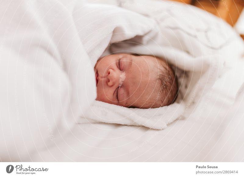 Baby Neugeborenen Schlaf Lifestyle Mensch Kind Kopf 1 0-12 Monate Liebe liegen schlafen träumen einfach Gesundheit Zusammensein niedlich Wärme selbstbewußt