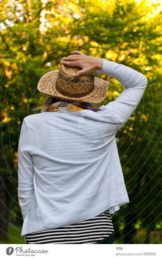 Lady with Hat. Mensch maskulin Junge Frau Jugendliche Erwachsene Körper Kopf Arme 1 18-30 Jahre Umwelt Natur Pflanze Baum Garten Park schön Wärme feminin weich