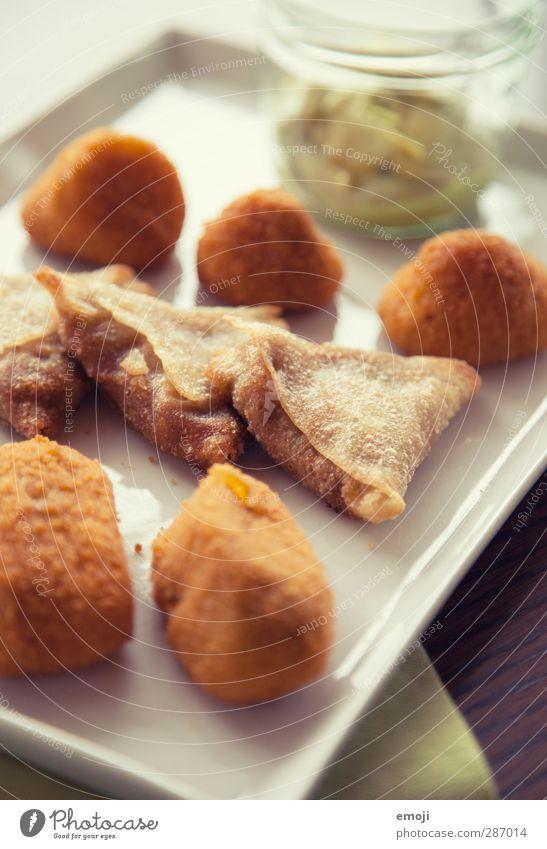 Tapas ungesund Ernährung Fastfood Fingerfood Teller lecker genießen Farbfoto Innenaufnahme Nahaufnahme Detailaufnahme Menschenleer Tag Schwache Tiefenschärfe